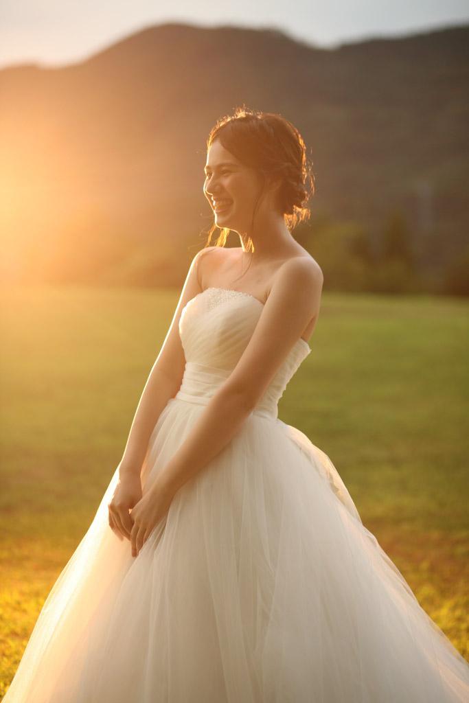 RUSTIC WEDDING ライトで夕陽